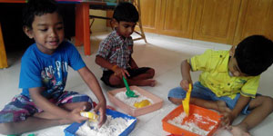 KINDER LEARNERS JR : (KIDS AGED 3.5 TO 4.5 YEARS)